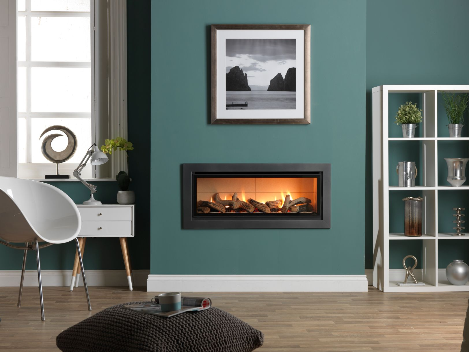 Infinity 890HD Hole in the Wall Gas Fire with Graphite Trim