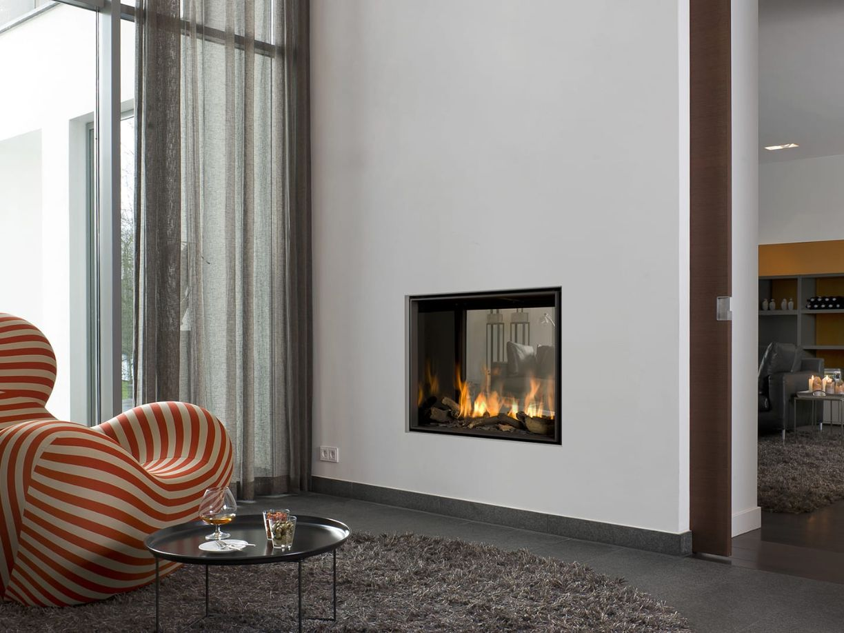 Derby Large Tunnel 3 Hole in the Wall Gas Fire Room Divider
